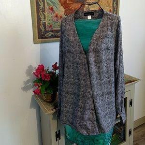 Size large womens long sleeve blouse